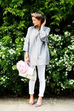 Flowers in my hair - Peony Lim Thomas Pink Shirts, Peony Lim, J Brand Jeans, Hair Piece, Personal Style, Feminine, Street Style, Fashion Outfits, Shirt Dress