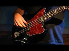 Vintage Modified Jaguar® Bass, Rosewood Fingerboard, Black