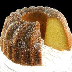 One Perfect Bite: Yiaourtopita - Greek Lemon and Yogurt Pound Cake. used self raising flour, 3 eggs, some pandan paste & Cadbury's Dream White Choc. Lemon Recipes, Greek Recipes, Desert Recipes, Cake Recipes, Köstliche Desserts, Delicious Desserts, Yummy Food, Bunt Cakes, Cupcake Cakes