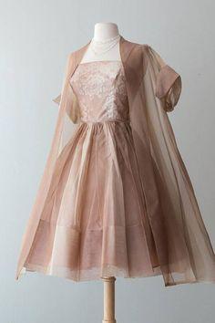 Women's Dresses, Ball Dresses, Pretty Dresses, Beautiful Dresses, Dress Outfits, Ball Gowns, Fashion Dresses, 1960s Dresses, Elegant Dresses