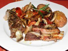 Karcsi főzdéje: Kemencés tepsis oldalas gombás lecsóval Pork, Beef, Main Courses, Red Peppers, Kale Stir Fry, Meat, Main Course Dishes, Entrees, Pork Chops