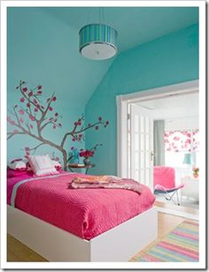 BHG pink & turquoise bedroom - Cassidy wants it switched with pink walls and a blue bed spread