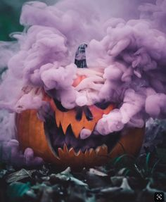 Its September which means its FINALLY acceptable to start decorating for Halloween! Drop by our Black Oak Pharmacy or Shady Cove Pharmacy gift shops to find fun Halloween Gifts and Home Decor pieces. Photo Halloween, Halloween Fotos, Halloween Tags, Halloween 2019, Holidays Halloween, Halloween Pumpkins, Halloween Crafts, Halloween Decorations, Diy Halloween Videos