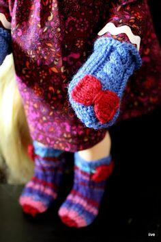 Mittens and socks - Disney animator Dolls