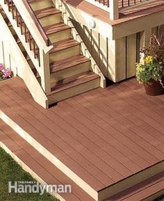 Give that old deck a new lease on life. Expert deck-builders show you how to…