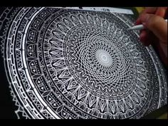 Calligraphy Master Seb Lester creates a mesmerizing digital mandala using Amaziograph on iPad Pro with Apple Pencil