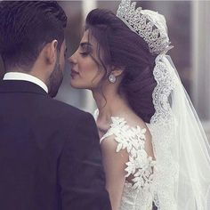 Such a stunning 'do crown and veil😍 Bella S for more! wedding engagement hairstyles 2019 wedding engagement hairstyles Such a stunning 'do crown and veil😍 Bella S for more! Wedding Photoshoot, Wedding Pics, Wedding Couples, Wedding Bride, Wedding Engagement, Dream Wedding, Wedding Dresses, Wedding Crowns, Wedding Hairstyles With Crown