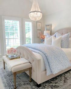 Room Ideas Bedroom, Home Decor Bedroom, Bedroom Inspo, Dream Rooms, Dream Bedroom, Pretty Bedroom, Chic Master Bedroom, Feminine Bedroom, My New Room