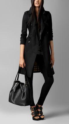 Medium Zip Detail Leather Tote Bag | Burberry