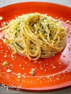 Panna cotta with lavender - Healthy Food Mom Wine Recipes, Gourmet Recipes, Pasta Recipes, Healthy Recipes, Clean Eating, Healthy Eating, Food Decoration, Italian Pasta, Pastry Cake