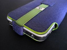 Vaja Feather Pouch for iPhone 4/4S   seen at iLounge