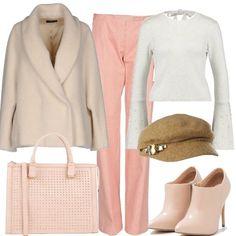 Outfit composto da pantalone rosa antico, a vita alta e gamba ampia, abbinato a maglione avorio, con scollo tondo e lacci da annodare dietro al collo, con schiena leggermente scoperta, manica a campana con applicazioni in perle, cappotto in lana, color avorio, doppiopetto, con collo revers. Stivaletto in finta pelle, beige, con tacco a spillo e punta tonda, borsa a mano rosa chiaro e infine, berretto beige con applicazioni di pietre.