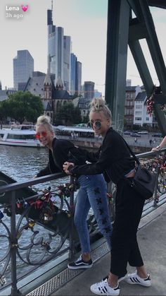 Lisa and Léna – Best Friends Forever Bff Goals, Best Friend Goals, Cute Photos, Girl Photos, Lisa And Lena Clothing, Boy Best Friend Pictures, Besties, Dream It Do It, Lisa Or Lena
