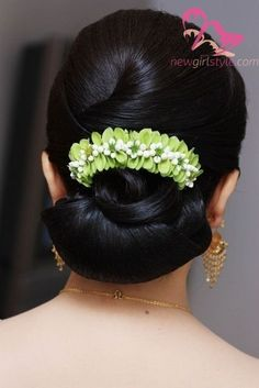 Gorgeous Wedding Hairstyles for Long Hair - Page 22 of 74 - new trend hairstyle Wedding Hairstyles For Long Hair, Bride Hairstyles, Hairstyles Haircuts, Brunette Hairstyles, Straight Hairstyles, Bridal Hair Buns, Bridal Hairdo, Curly Hair Styles, Natural Hair Styles