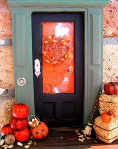 Fairy doors - decorated for seasons, too cute