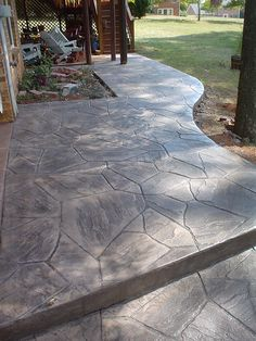 Stamped Concrete: Flagstone One of Tim's recent stamp jobs. Stamped Concrete Patterns, Stamped Concrete Driveway, Concrete Patio Designs, Concrete Porch, Cement Patio, Concrete Driveways, Flagstone Patio, Backyard Patio Designs, Backyard Landscaping