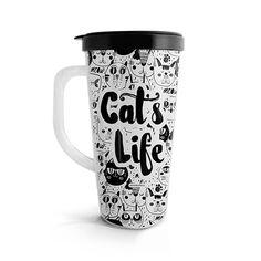 Vasito viajero – Cat's life, encuentra este producto en nuestra tienda online. Mugs, Tableware, Vase, Store, Dinnerware, Tumblers, Tablewares, Mug, Dishes