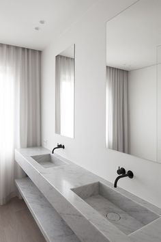 Bathroom MM in Antwerp Belgium by Rolies + Dubois Architecten