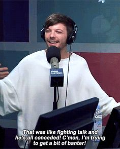 The interviewer trashing British food and then sucking up when Louis fights back
