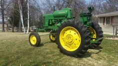 JOHN DEERE 60 LPG High Crop Old John Deere Tractors, Lawn Tractors, John Deere Equipment, Tractor Pulling, Antique Tractors, Vintage Farm, Rubber Tires, Old Farm, Rats