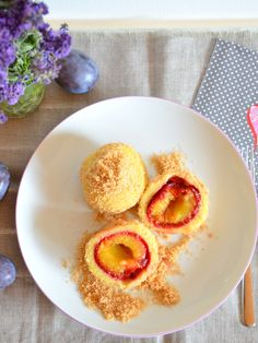 Plum dumplings made from potato dough with cinnamon and sugar crumbs - Rezepte - Desserts - Cremes, Mousse & Co. Italian Cookie Recipes, Italian Desserts, Pastry Recipes, Cooking Recipes, Plum Dumplings, Pastry Dough Recipe, Italian Pastries, Austrian Recipes, Fusion Food