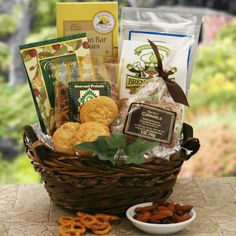 Executive Snacker   Snack Gift Basket  Price: $67.95