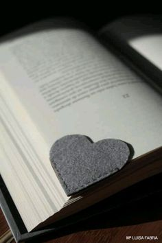 Simple and cute book mark!
