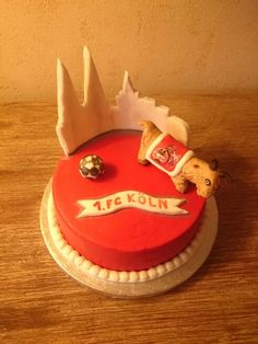 Fc köln torte Cake Decorating Tips, Birthday Candles, Sweets, Desserts, Food, Kitchen, Birthday Cakes, Cake Ideas, Food And Drinks
