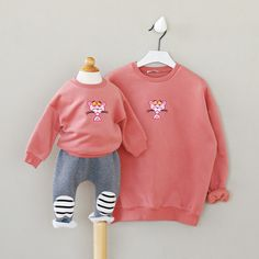 2017 spring autumn family matching clothes o-neck long sleeve thick fleece cartoon printed hoodies mother and daughter son 2-6T