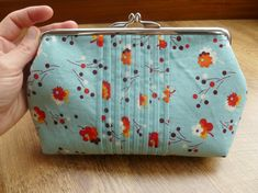 There are all sorts of different styles of purse you can make including small clutch bags, coin purses, wallets, eyeglasses cases and camera pouches - In fact there is a tutorial for every requirement, taste, sewing ability level and pocket!
