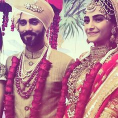 May Meet the newly wed couple, Sonam Kapoor and Anand Ahuja. are just aww-dorable❤️ Sonam Kapoor's Wedding, Indian Wedding Jewellery, Indian Groom. Indian Wedding Fashion, Big Fat Indian Wedding, Indian Wedding Jewelry, Indian Bridal, Indian Weddings, Wedding Mandap, Garland Wedding, Wedding Decor, Indian Celebrities