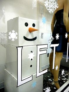 """Frosty The White Cardboard Box Snowman"",pinned by Ton van der Veer"