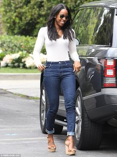 Kelly Rowland looks stylish as she takes son Titan to a music class | Daily Mail Online