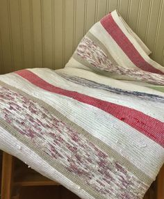 Catalonia for double/queen bed. Done at the loom. Double Queen Bed, Weaving Patterns, Queen Beds, Loom, Relax, Quilts, Blanket, Fabric, Diy