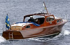 Wilma- Oxelösundskryssare 30' Old Boats, Small Boats, Speed Boats, Power Boats, Ski Nautique, Camper Boat, Runabout Boat, Classic Wooden Boats, Boat Design