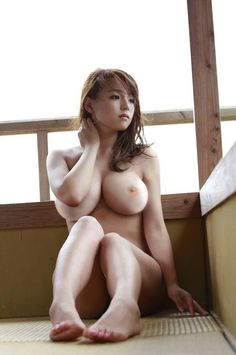 Top Aasian nude mallit