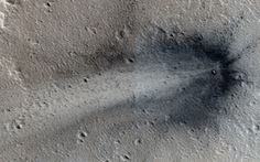 Fresh Crater on Mars Spied by NASA Spacecraft (Photo)