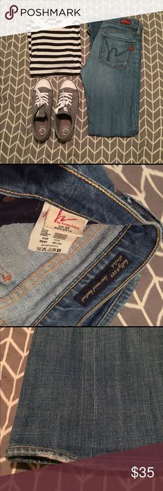 • CITIZANS OF HUMANITY • bootcut jeans CoH bootcut jeans! Size 27! Really awesome condition except some minimal wear on the bottom shown in the photos! Feel free to make me an offer! 😊 Citizens of Humanity Pants Boot Cut & Flare