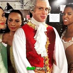 """King George, how do you feel about Brexit? """"I don't care when I'm surrounded by my Schuyler Sisters"""" oooooh werk! Hamilton Broadway, Hamilton Musical, Hamilton Lin Manuel, Lin Manuel Miranda, Theatre Nerds, Musical Theatre, Theater, Hamilton Fanart, Hamilton Gif"""