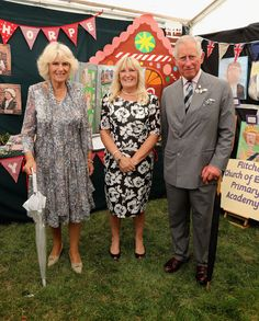 Prince Charles Photos - Camilla, Duchess of Cornwall and Prince Charles, Prince of Wales visit Sandringham Flower Show on July 27, 2016 in Sandringham, England. - The Prince Of Wales & Duchess Of Cornwall Visit The Sandringham Flower Show 2016