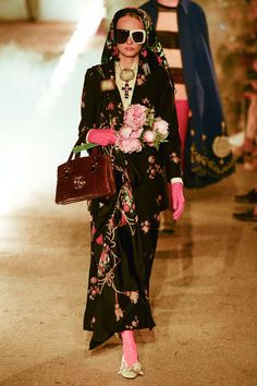 Gucci Resort 2019 Fashion Show Collection: See the complete Gucci Resort 2019 collection. Look 71