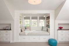 Built in bed nook cozy reading nook . Bedroom Reading Nooks, Bed Nook, Bedroom Nook, Bedroom Decor, Bedroom Ideas, Built In Daybed, Daybed With Storage, Girl Bedroom Designs, Girls Bedroom