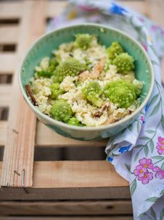 Couscous com cogumelos e couve romanesca
