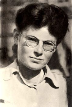 Marianne Cohen was a member of a Jewish resistance group who was caught in May 1944 while smuggling children to Switzerland. She was brutally tortured but did not give away the names of her superiors. In July 1944 Marianne was executed by the Germans. The children were saved. #WomensDay #wmnhist