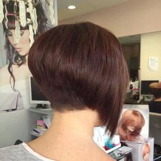 These 23 Inverted Bob Haircuts Are Trending in 2019 - Style My Hairs Inverted Bob Hairstyles, Wedge Hairstyles, Bob Hairstyles For Fine Hair, Wedge Haircut, Lob Haircut, Medium Hair Styles, Short Hair Styles, Layered Hair, Hair Today