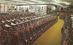 Schwinn Krates ready for new owners in the 70's. I was born in the wrong decade.