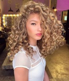 Want to wake up with curls but can't decide between spiral perm vs regular perm? We're telling you everything you need to know about spiral perm hairstyles! Mid Length Curly Hairstyles, Cute Curly Hairstyles, Curly Hair Styles, Natural Hair Styles, Curly Haircuts, Hairstyles Videos, Blonde Hairstyles, Wedding Hairstyles, Relaxed Hairstyles