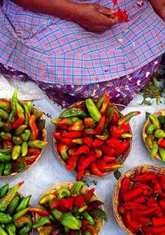 Chile de Agua: Este es uno de los chiles más emblemáticos de los mercados populares de Oaxaca.