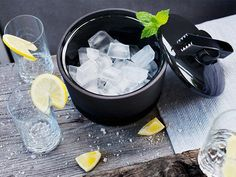 Ceramic Insulated Ice Buckets by Magisso