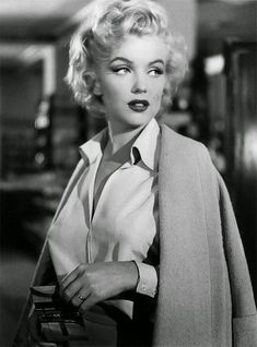 Can You Name The 40 Most Iconic Old Hollywood Stars? - - Hollywood just ain't what it used to be. Marilyn Monroe Outfits, Style Marilyn Monroe, Marilyn Monroe Frases, Arte Marilyn Monroe, Marilyn Monroe Wedding, Marilyn Monroe Wallpaper, Marilyn Monroe Tattoo, Marilyn Monroe Decor, Marilyn Monroe Drawing